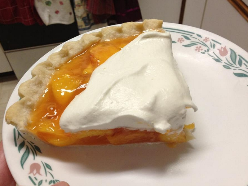 Fresh Peach Pie | Ain't Complicated