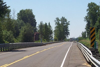 Two bridges on Highway 99E between Tangent and Shedd, Oregon