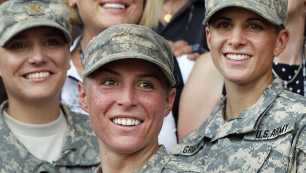 photo of American women soldiers
